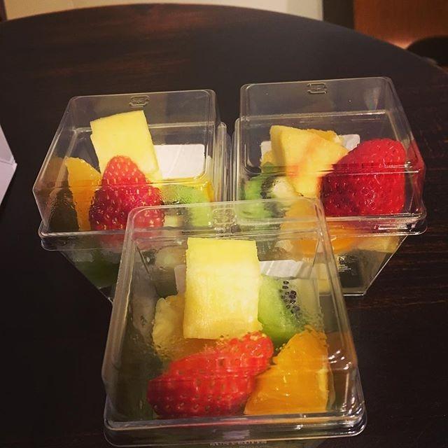 フルーツ差し入れ